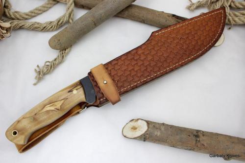 Krokodyl Garbaty Knives drewno Oliwka