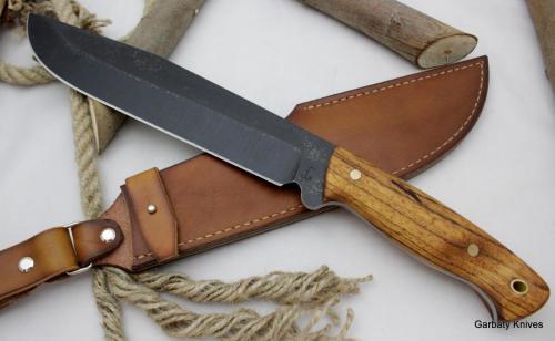 Krokodyl Garbaty Knives drewno zebrano